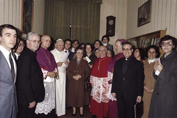 San Juan Pablo II con la Madre Trinidad
